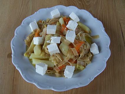 Spargeln-Nudeln-Karotte-Schafskäse